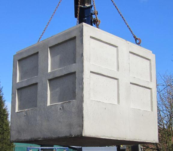Cuve en béton, 2,50 m x 2,50 m, hauteur 2,40 m
